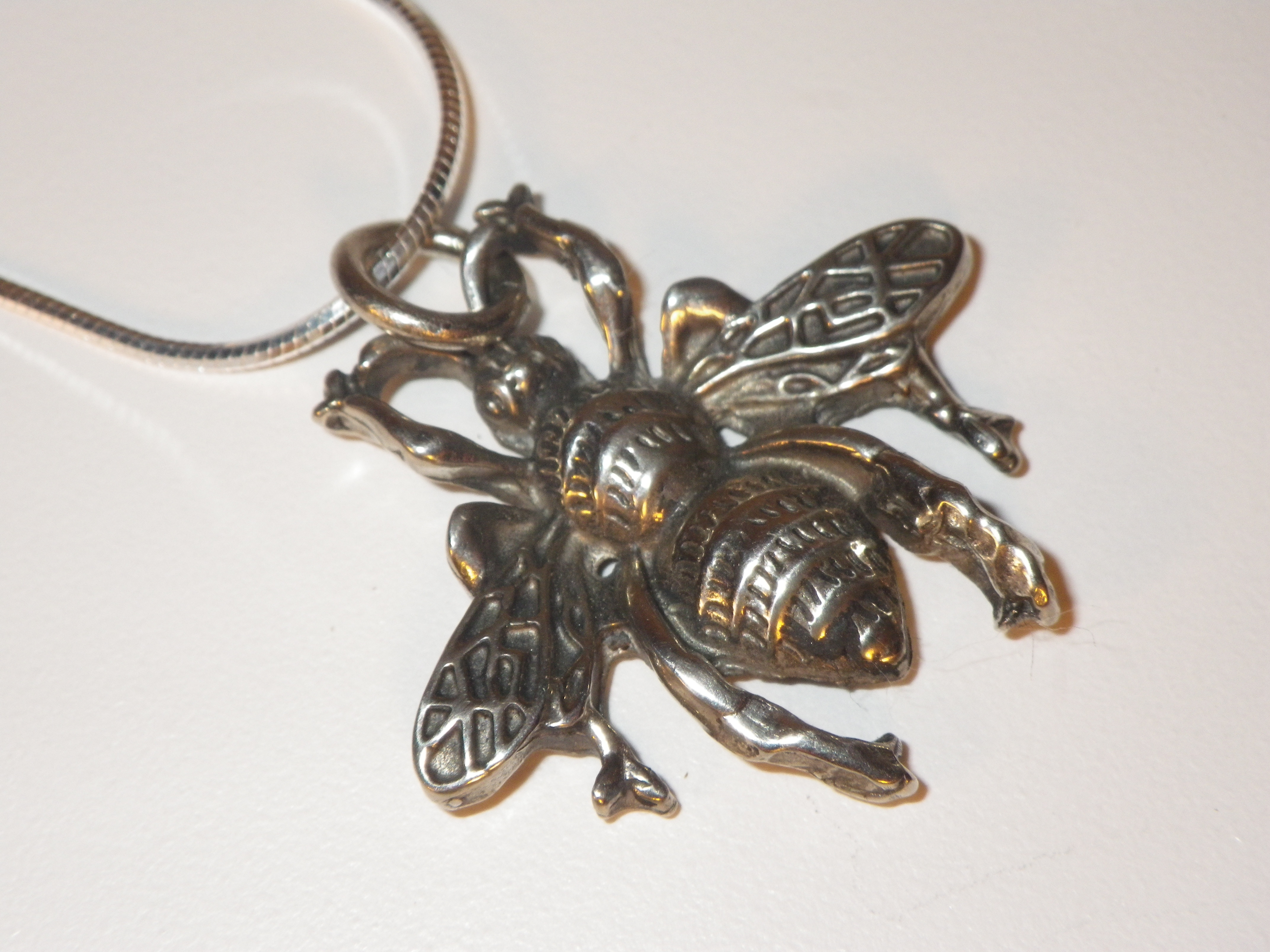 van london bee pendant necklace product honey anchor peterson